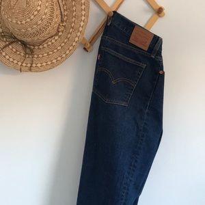 Levi's wedgie-fit jean